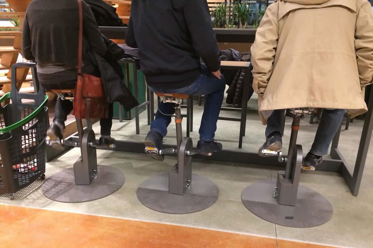 Riciclo sgabello bicicletta con sistema di ricarica usb sartori