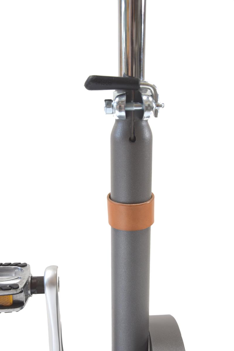 Riciclo sgabello bicicletta con sistema di ricarica usb for Riciclo arredo